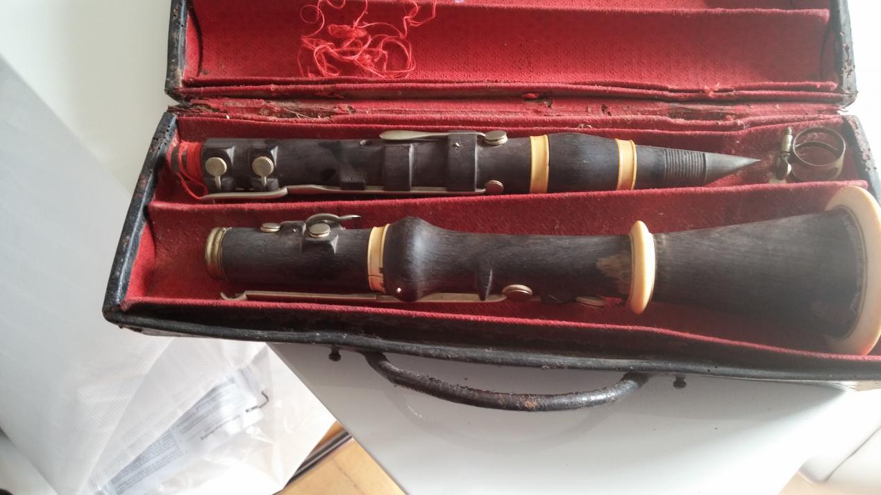 was ist eine uralte klarinette wert und was kostet. Black Bedroom Furniture Sets. Home Design Ideas